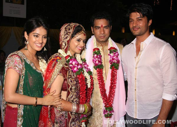 Anas And Cast In Deepika Singhs Sisters Wedding