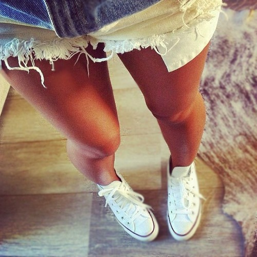 фото ноги в шортиках